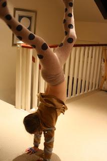 Silent-Sunday-daughter-handstand
