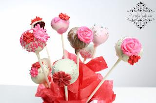 cake pops bañados con chocolate
