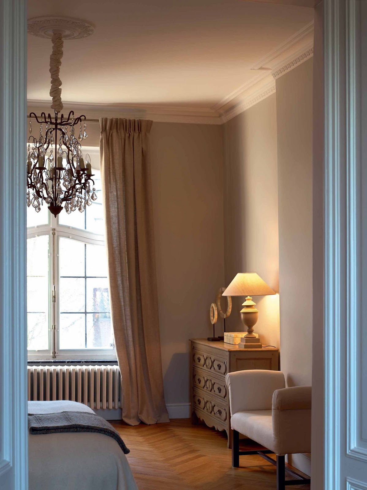 zierleisten und rosetten. Black Bedroom Furniture Sets. Home Design Ideas