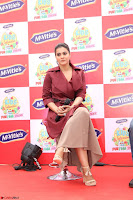 Kajol Looks super cute at the Launch of a New product McVites on 1st April 2017 18.JPG