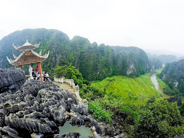 One day discovering Dance cave in Ninh Binh