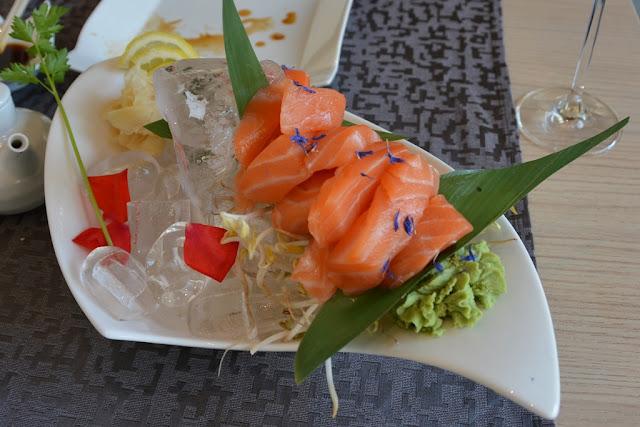 Como Yan Sushi salmon sashimi