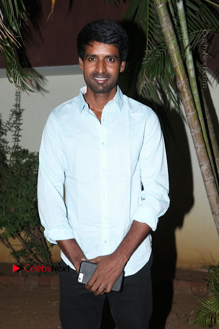 Saravanan Irukka Bayamaen Tamil Movie Press Meet Stills  0001.jpg
