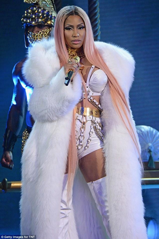 Nicki Minaj Sexy performance at the 2017 NBA Awards ...