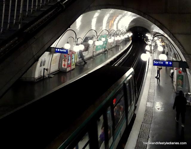 Métro de Paris: Métropolitain Snapshots