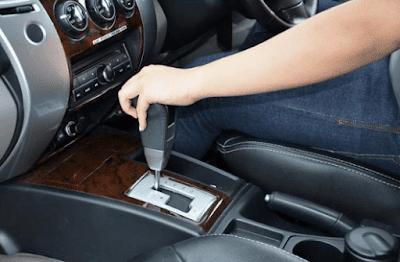 Jangan Lakukan 5 Kesalahan Ketika Mengendarai Mobil Matic