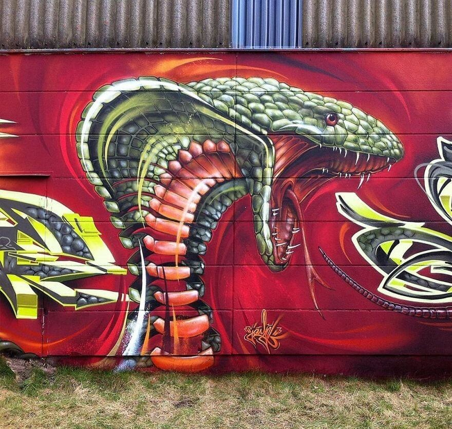 04-King-Cobra-Snake-Jayn-Slice-Style-Animal-Street-Art-www-designstack-co