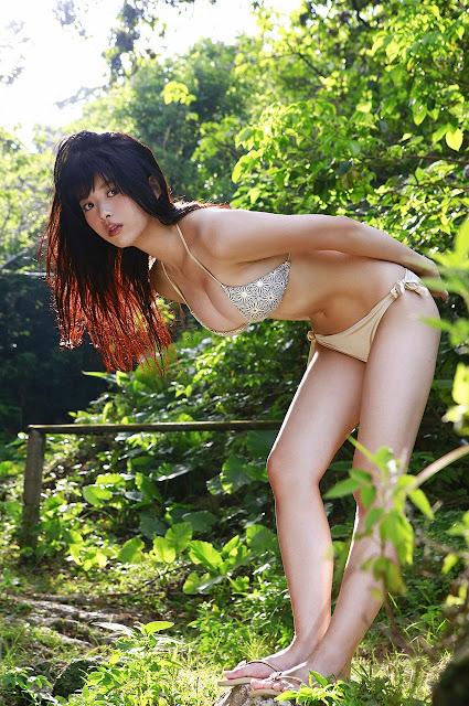 馬場ふみか Baba Fumika Bikini In Forest Photos 3