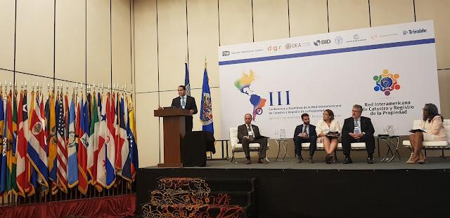 Gobierno dominicano presenta avances de titulación en conferencia y asamblea internacional