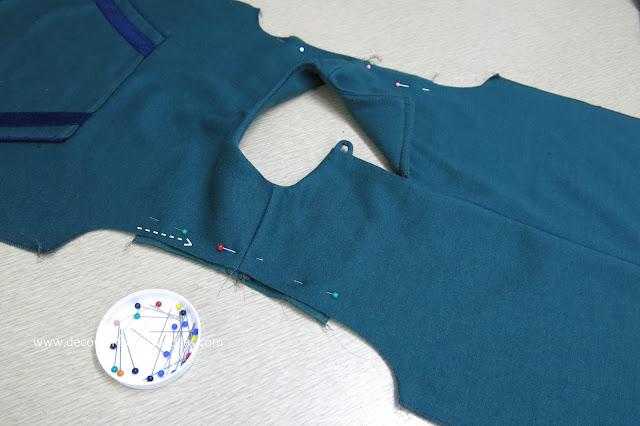 abertura con presilla y botón