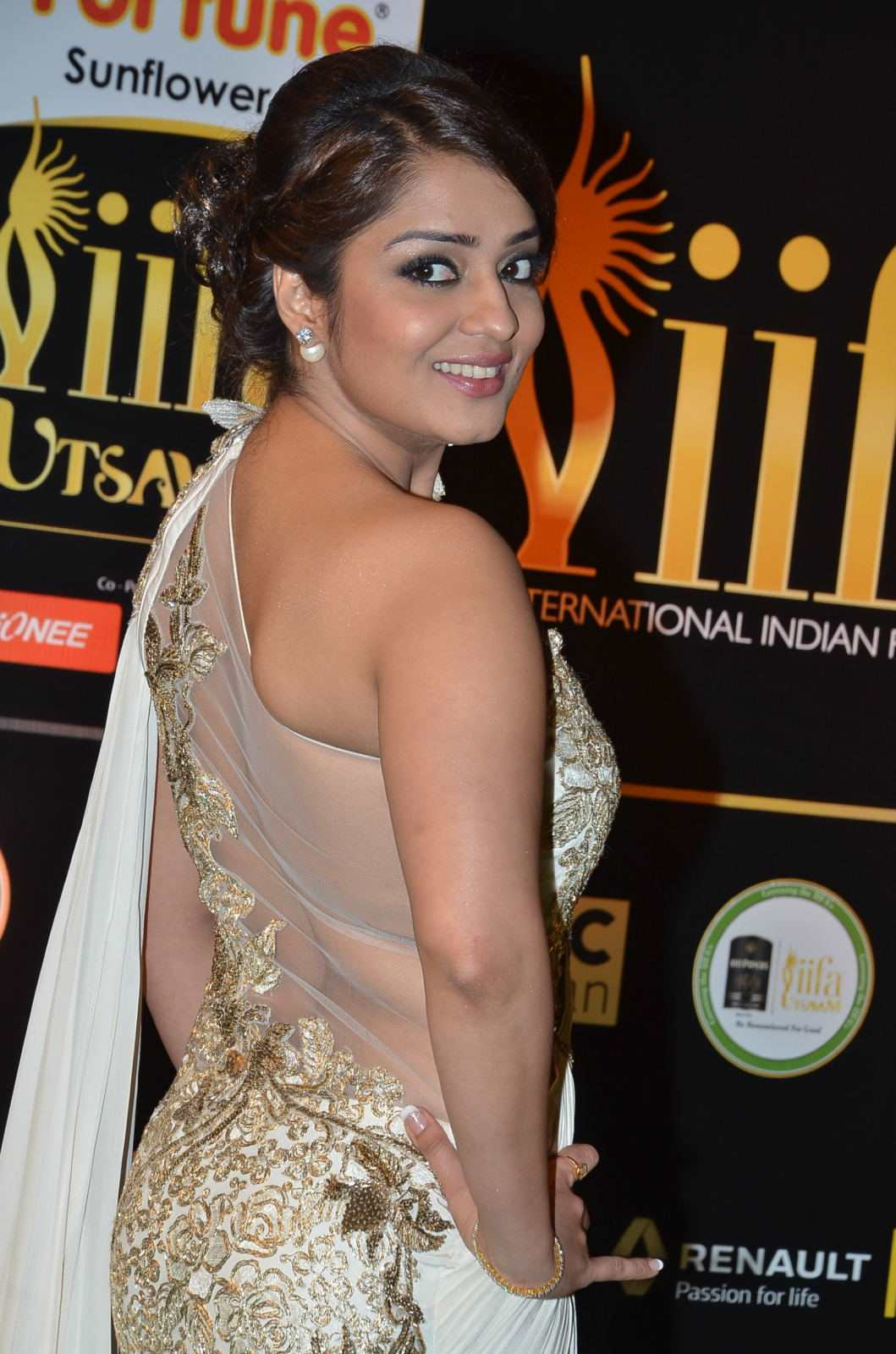 Nikita Thukral Hot Stills At IIFA Utsavam In White Saree
