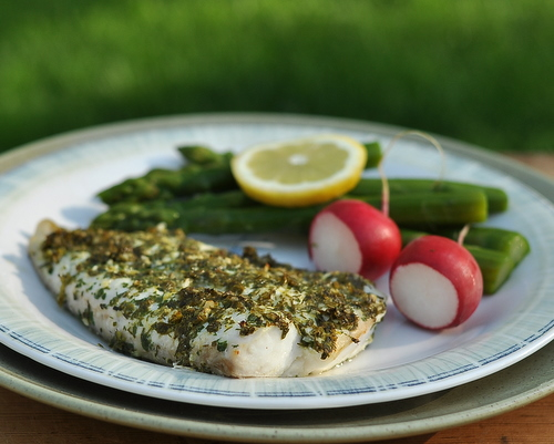 Herb-Coated Broiled Fish, another Quick Supper ♥ KitchenParade.com, just coat fish pieces in fresh herbs, then broil. Low Carb. High Protein. Gluten Free. Weight Watchers Friendly.