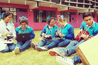 98 Jóvenes talentos del callao concluyen su etapa escolar con honores
