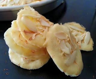 Resep Almond Crispy Cheese Dan Tips Agar Crispy Dan Tidak Gosong