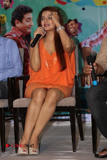 Actress Saloni Aswani Pos in Short Dress at Meelo Evaru Koteeswarudu Movie Interview  0268.JPG