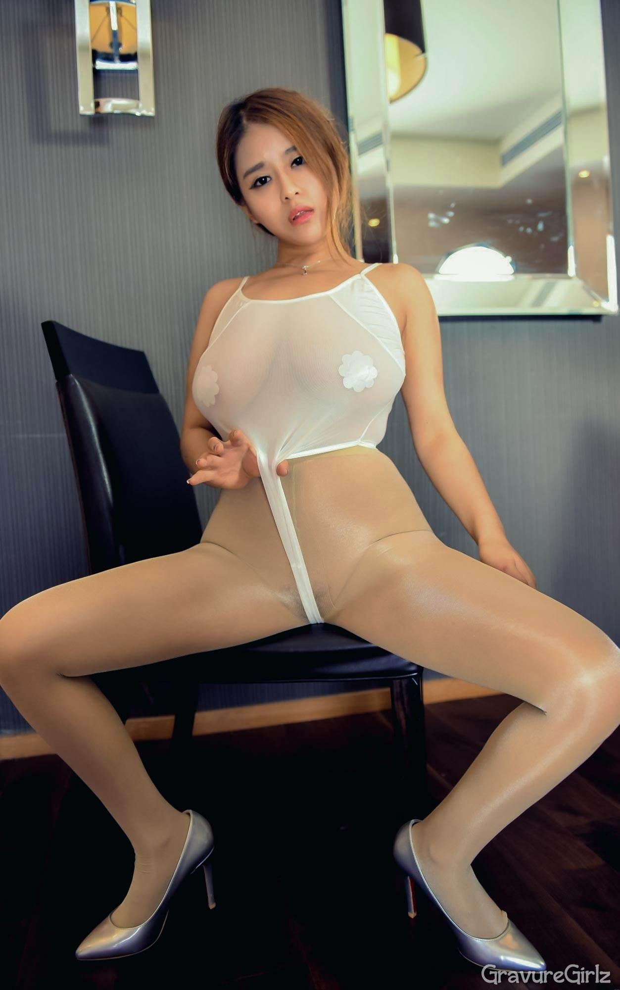 Asian model nude dance 2 10