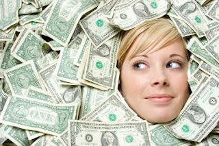 Mulher com dinheiro
