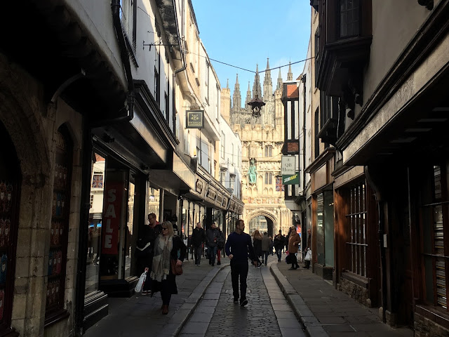 Canterbury una ciudad medieval cerca de Londres