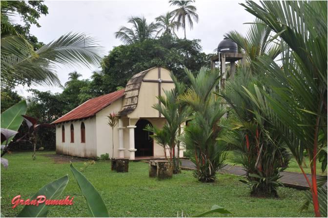 Iglesia en el pueblo de Tortuguero. En Blog de Viajes, Costa Rica