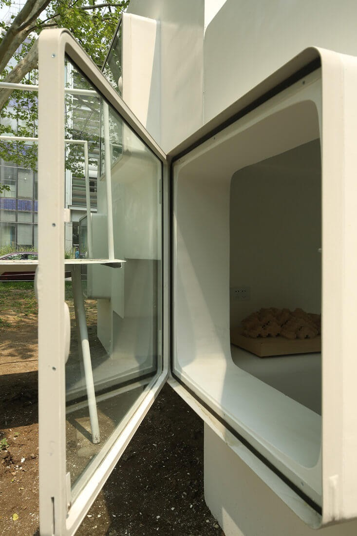 11-Light-and-Airy-Liu-Lubin-Space-Invaders-Tiny-House-Architecture-www-designstack-co