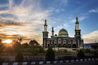 Ini 5 Masjid Bersejarah di Indonesia yang Bisa Kamu Kunjungi