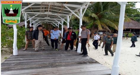 Wagub Nasrul Abit : Pemprov  Sumbar Siap Menyalurkan Bantuan Kegiatan Ekonomi Masyarakat Di Pulau Terluar