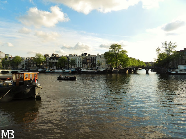 amstel canale amsterdam