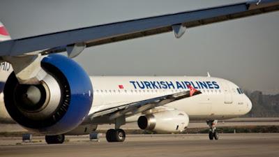 Muchos israelíes que se encontraban en el aeropuerto Ataturk de Estambul, donde tres terroristas se inmolaron ayer por la noche, aterrizó sin problemas en Israel esta tarde (miércoles). Por suerte, no hay israelíes resultaron heridos en el ataque. Los 175 pasajeros del vuelo de Turkish Airlines que estaban felices de aterrizar en Israel, después de una noche llena de retrasos y preocupaciones. Se espera otro vuelo con destino a Israel a apartarse de Estambul esta tarde con otros 300 pasajeros a bordo.