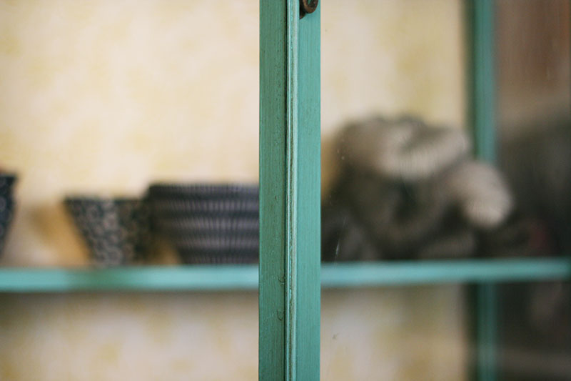 Acabado vintage de la vitrina.