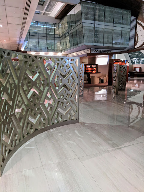 Emirates Business Class Lounge in Dubai