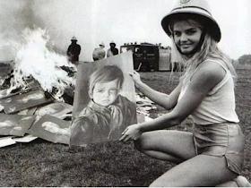 Misteri Dibalik Lukisan Crying Boy Yang Melahap Pemiliknya Dengan Kebakaran - Responsive Blogger Template
