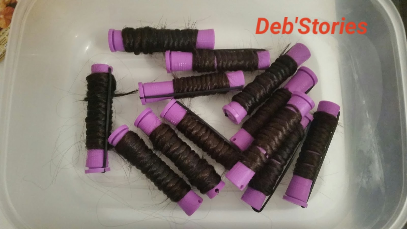 Crochet Braids C Est Quoi : Mettre les perm rods dans un bol puis y ajouter de leau bouillante