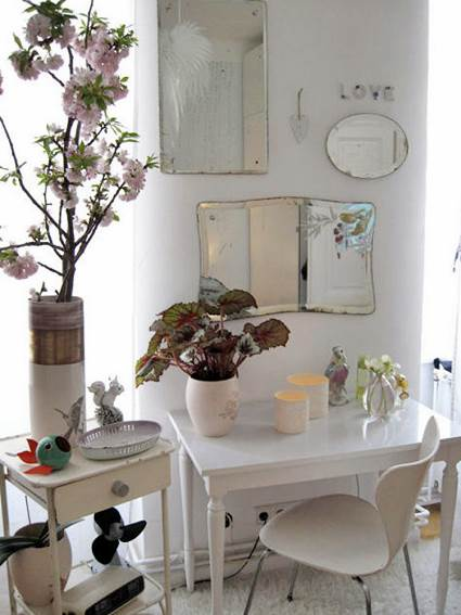 How To Decorate With Mirrors Without Frame 5