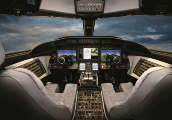 Bombardier Learjet 70 cockpit