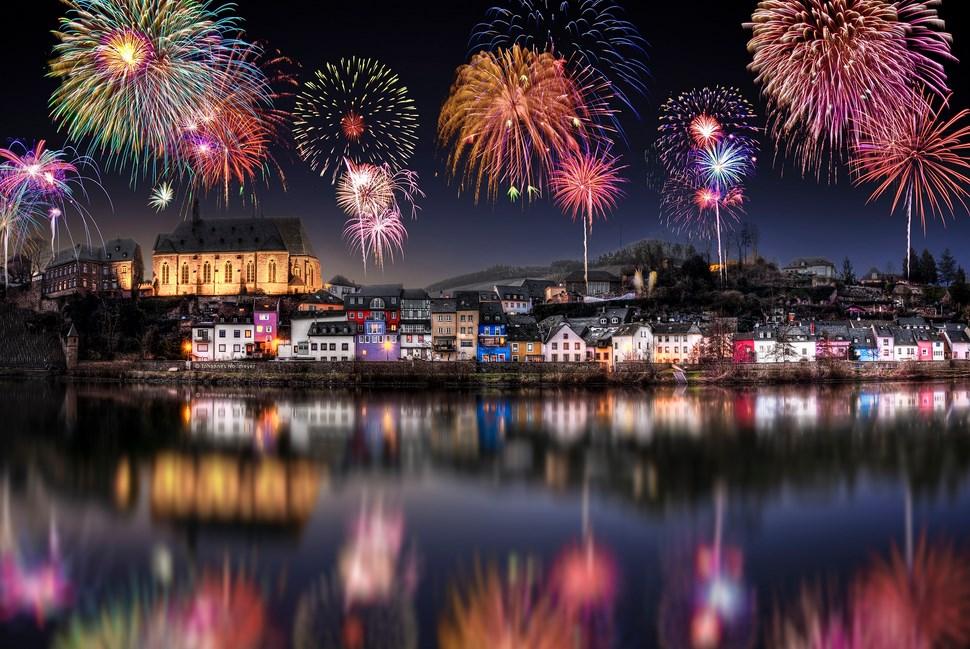 Tips Sederhana Memotret Pesta Kembang Api pada Acara Tahun Baru menawan
