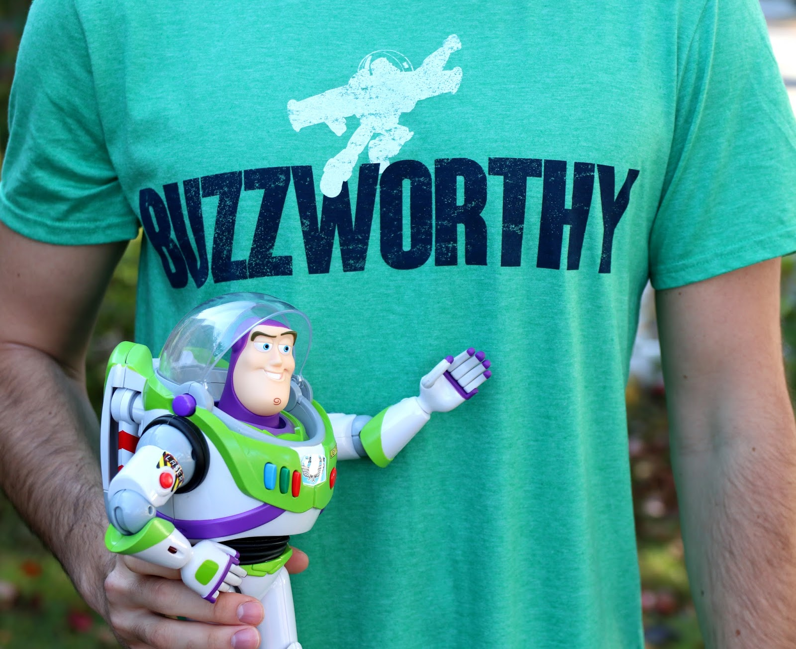 disney pixar toy story buzz lightyear buzzworthy tee t-shirt