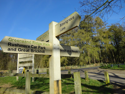 Sign post at Rushmere Country Park Stockgrove Entrance