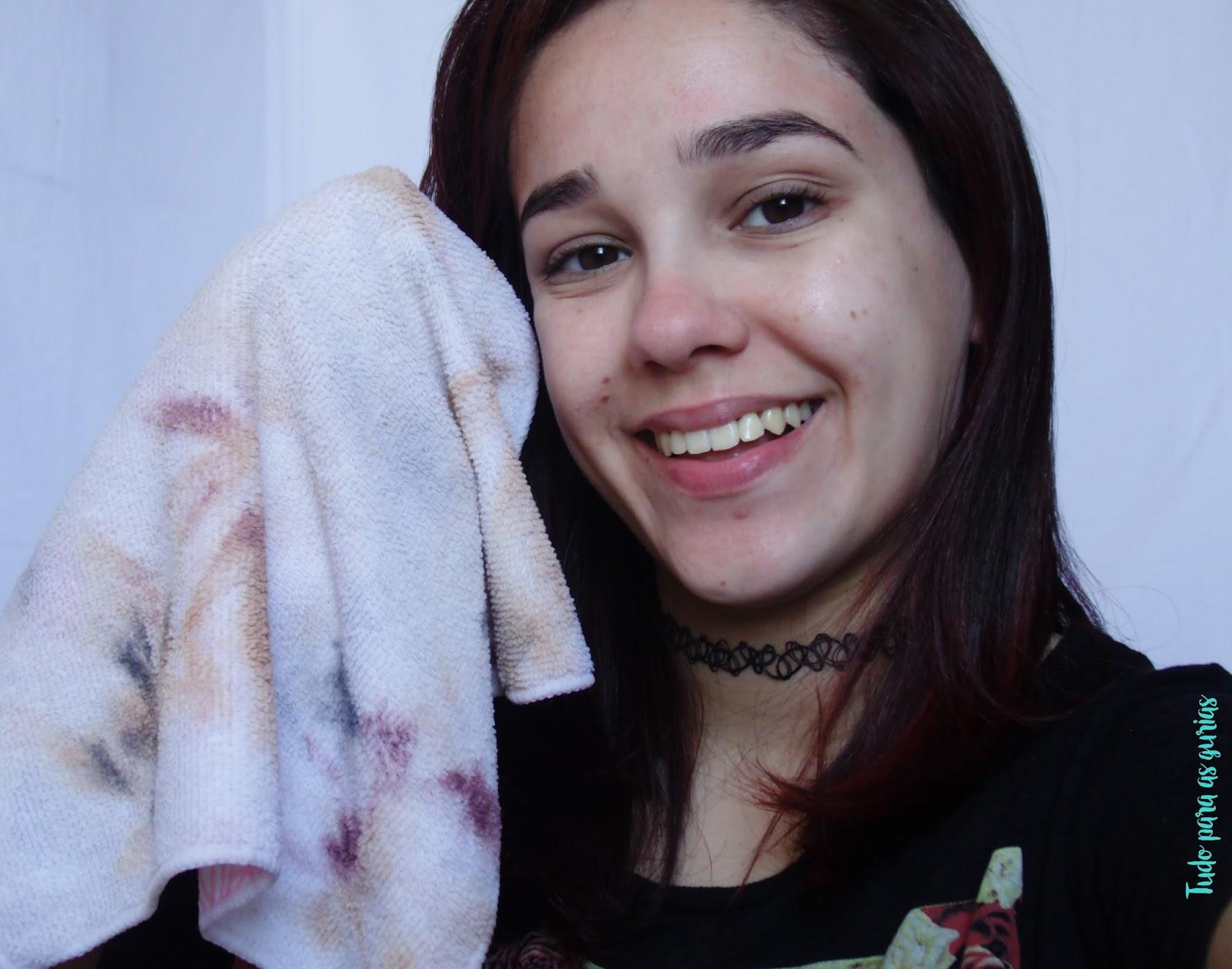 Resenha: Toalha demaquilante da Niina secrets para Jequiti.