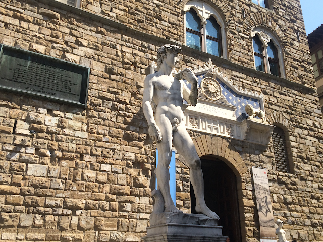 4b8fef2a365ac ... and they re not going to notice the difference between the original and  the perfect replica—in a much nicer setting—in front of the Palazzo Vecchio.