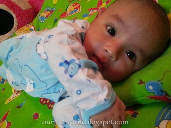 Perkembangan bayi usia 2 bulan