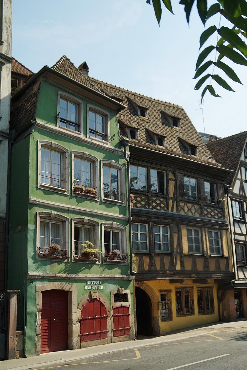 Fachwerkhäuser Architektur in Strasbourg, Elsass, Frankreich | Tasteboykott