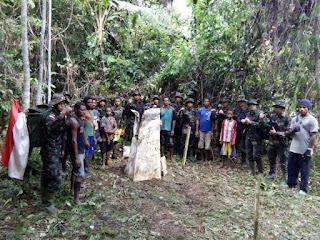 Prajurit TNI Berhasil Temukan Kembali Patok Perbatasan RI-PNG