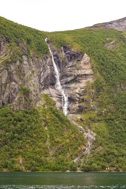 Cascata il pretendente-Crociera da Geiranger sul Geirangerfjord