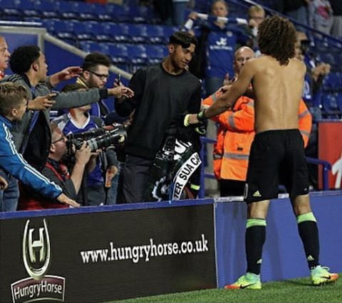 David Luiz pens felicitation to little boy who greets him after every match