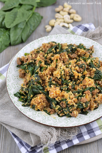 Experimente aus meiner Küche: Bulgur-Hackfleischpfanne mit Spinat