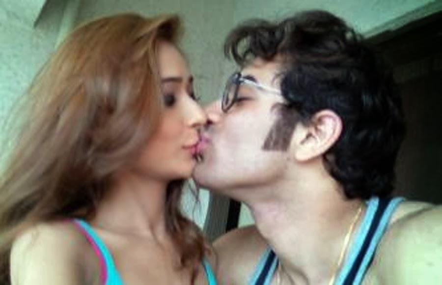Muslim girl dating hindu boy