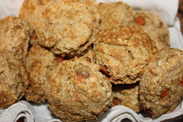 https://cuillereetsaladier.blogspot.com/2013/01/scones-aux-legumes-et-la-truite-fumee.html