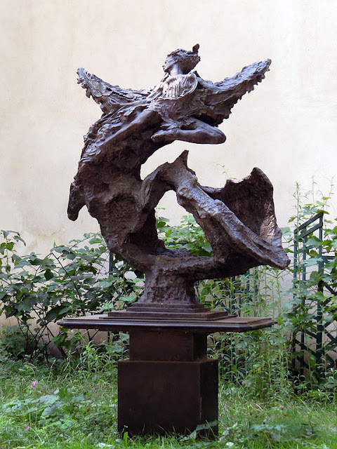 Soul of the Arts by Greg Wyatt, courtyard of the Schola Cantorum de Paris, rue Saint-Jacques, Paris