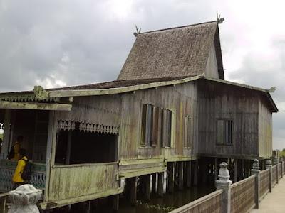 Rumah adat Bubungan Tinggi , Rumah Adat Kalimantan Selatan