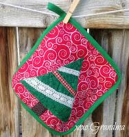 http://xoxograndma.blogspot.com/2016/07/handmade-christmas-christmas-tree-hot.html